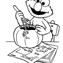 Elmo Make Halloween Pumpkin Coloring Page