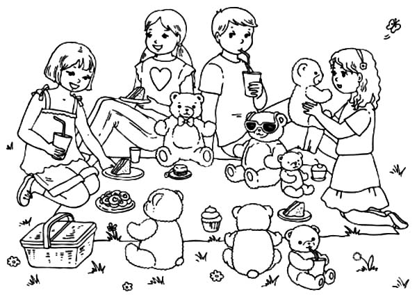Bring Your Teddy Bears at Family Picnic Coloring Pages