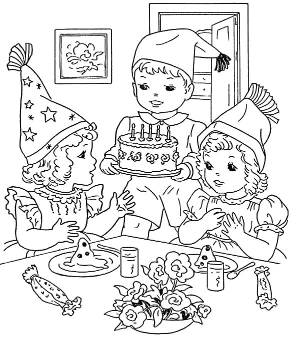 Cooking Birthday Cake for Birthday Party Coloring Pages - NetArt