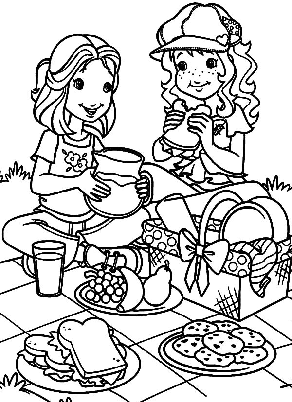 Holly Hobbie and Amy Having a Family Picnic Coloring Pages