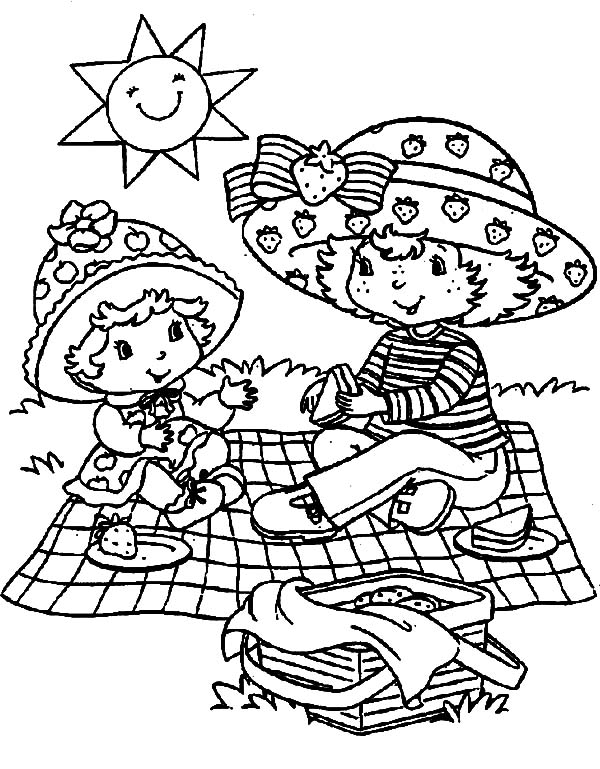Strawberry Shortcake and Apple Dumplin Having a Family Picnic Coloring Pages